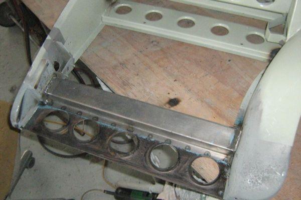 bristol-iw-door-frame-assembly2F6173A6B-F7D5-0520-C166-133CA5D18006.jpg