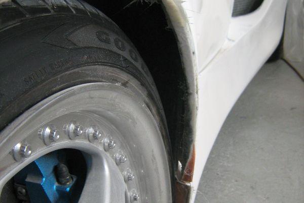 delanda-tb-rhr-wheel-arch-edge-during-repairBE5E8BA8-68A9-894B-E4FB-D39EEBE359D5.jpg